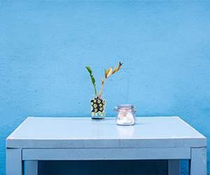 Tisch bei KARE